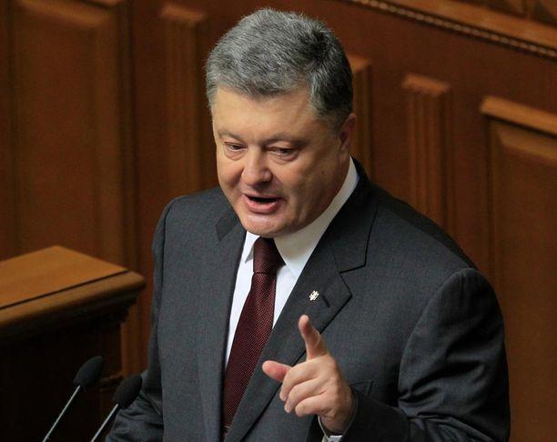 Petro Poroshenko pyysi Donald Trumpilta apua.