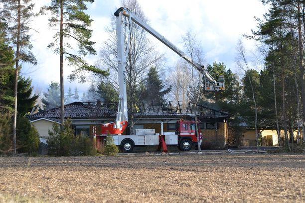 Pelastuslaitos sai palon nopeasti sammumaan.