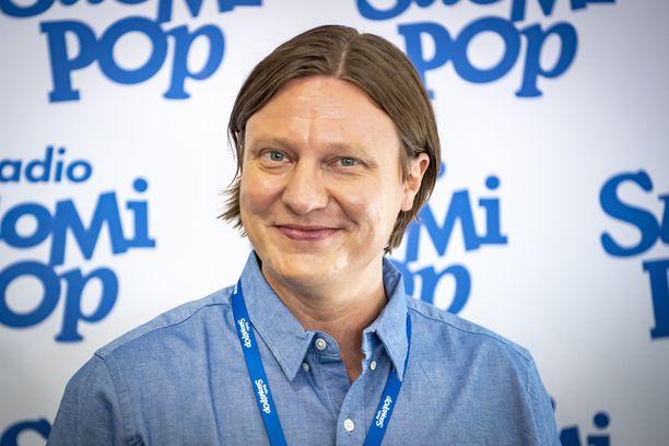 Jaajo Linnonmaa on tehnyt pitkän uran Radio Suomipopin juontajana.