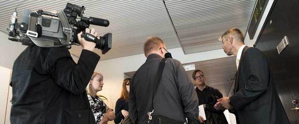 Hakunilan perhesurmaa käsiteltiin Vantaan käräjäoikeudessa.
