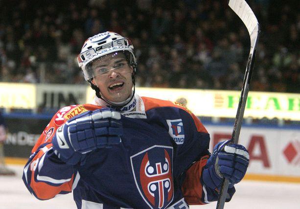 Timo Vertala pelasi SM-liigassa yli 500 ottelua Tapparan, JYPin, Jokereiden ja Kärppien riveissä. Kuva vuodelta 2007.