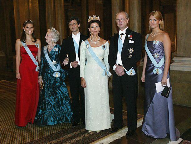 Kuvassa myös prinsessa Lilian.