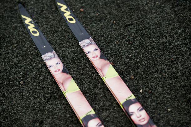 One Wayn bikinisukset nostattivat kohua Falunin MM-kisoissa 2015.