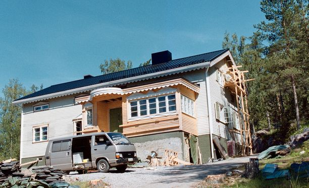 Jari Sillanpään Vihdin-taloon tehtiin mittava remontti.