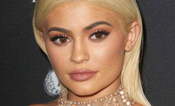 Toimittaja päätti alkaa Kylie Jenneriksi. Kuvassa Jenner.