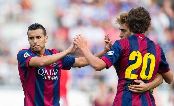 Pedro tuulettaa Barcelonan osumaa.