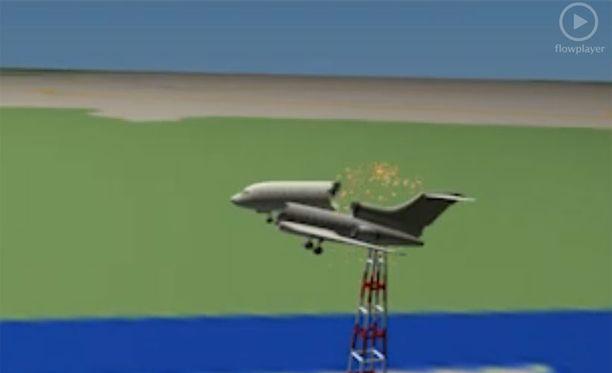 Videon mukaan koneen runko katkesi kahtia törmäyksessä tutka-antenniin.