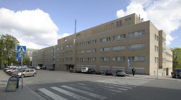 Varsinais-Suomen käräjäoikeudessa ratkaistu tapaus sattui Turun poliisitalossa.