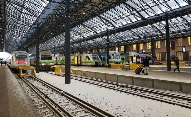 VR haluaa varautua talviseen säähän - ja vähentää junavuoroja.