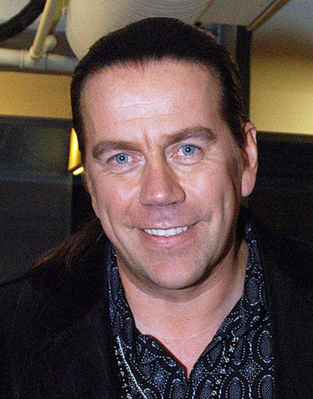 Mikko Kuustonen on tehnyt yhteensä parisenkymmentä albumia.