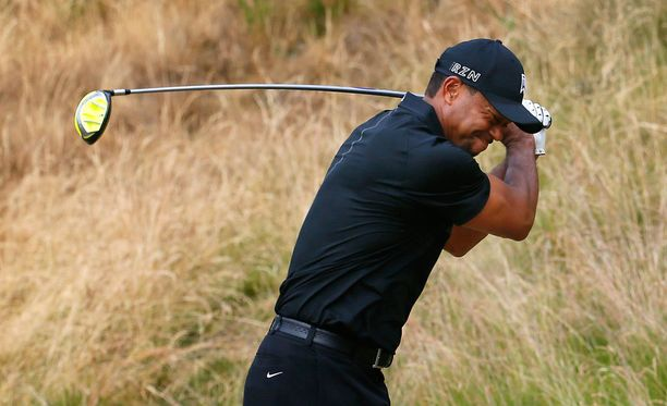 Tiger Woodsin peli on umpisolmussa.