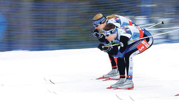 TAISTELUPARI Aino-Kaisa Saarinen ja Virpi Kuitunen ovat Liberecin kuningatarkandidaatteja.