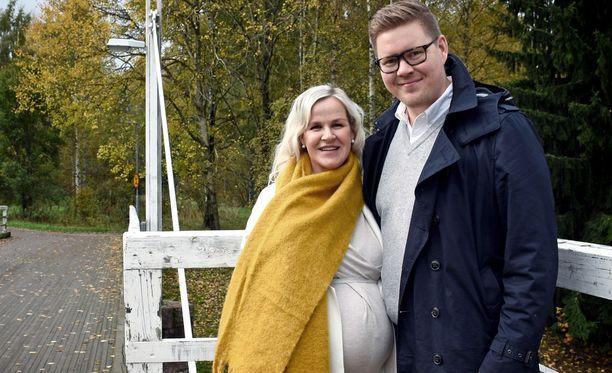 SDP:n kansanedustaja Antti Lindtman ja hänen vaimonsa Kaija Stormbom kuvattuna viime vuoden lokakuussa.
