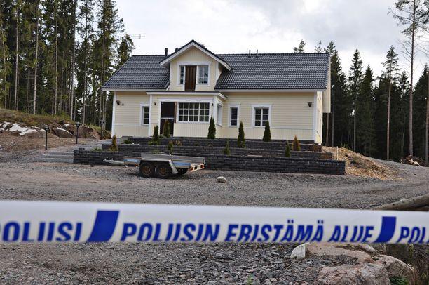 Jari Aarnio osti Porvoosta tontin, jolle hän rakensi kotitalonsa.
