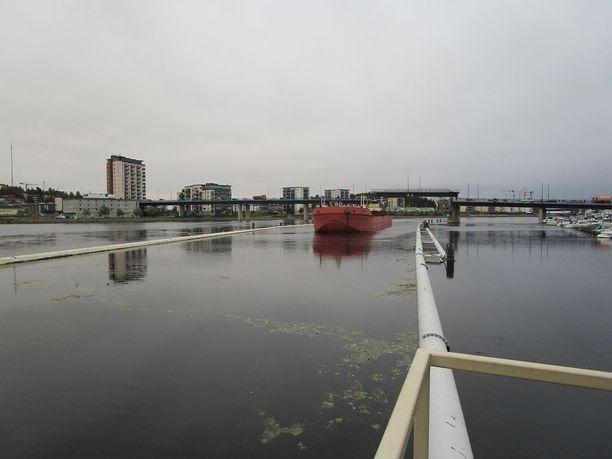 Pielisjoen rannalla kaksi miestä pelastui sunnuntaina ohikulkijoiden ansiosta.