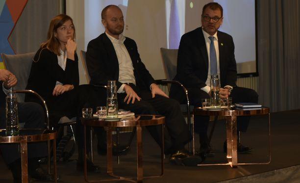 Vasemmistoliiton Li Anderssonilla oli taas paljon sanottavaa SAK:n puheenjohtajatentissä perjantaina.