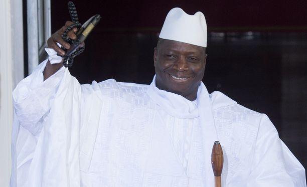 Gambian presidentti Yahua Jammeh ilmoitti naisten ympärileikkausten kieltämisestä lailla eilen.