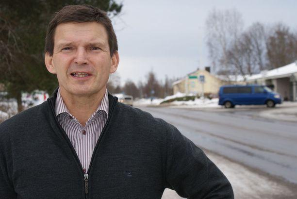Merikarvian kunnanjohtaja Pentti Ala-Luopan mukaan kuntaan toivotaan lisää lapsia.