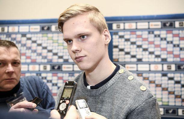 Jo kolmannet kisansa pelaavan Olli Juolevin odotetaan olevan Suomen johtava puolustaja nuorten MM-kisoissa Buffalossa.