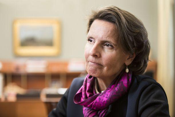 Liikenne- ja viestintäministeri Anne Berner on kohdannut omakohtaisesti vaikeuden tulla Suomeen maahanmuuttajana.
