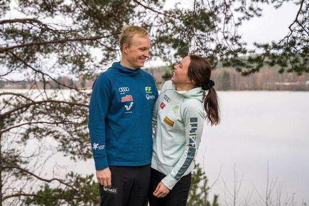 Juho Mikkonen, 29, ja Kerttu Niskanen, 32, sanoivat tahdon 8.8.2020. Yhdessä pari on ollut vuodesta 2005 alkaen.