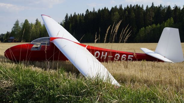 Pelastuslaitos sai tapauksesta hälytyksen pienenä ilmaliikenneonnettomuutena.