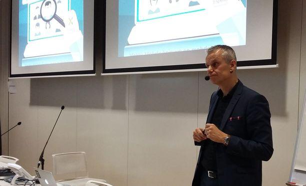 Asiantuntijoiden suorahaku- ja rekrytointitoimeksiantoihin erikoistuneen Experiksen liiketoimintajohtaja Kalle Toivonen kertoi Monster Klubin tilaisuudessa, mistä piilotyöpaikoissa on kyse.