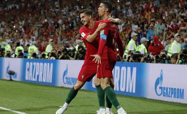 Ronaldo pääsi juhlimaan huikeaa vapaapotkuosumaansa.