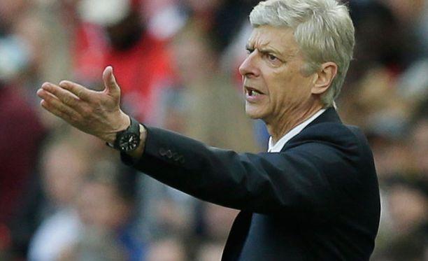 Arsène Wenger yrittää vihdoin voittaa José Mourinhon.