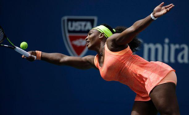 Serena Williams jäi kahden voiton päähän suuresta unelmastaan.