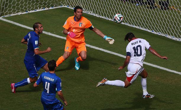 Bryan Ruiz teki Costa Rican ainoan - ja voittoon riittäneen maalin.
