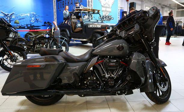 Ensi alkuun EU kaavailee rankaisevansa moottoripyörävalmistaja Harley-Davidsonia, jolla on muutenkin ollut vaikeuksia saavuttaa myyntitavoitteitaan maailmalla. Yhtiöllä on alihankkijoita Euroopassa ja Aasiassa.