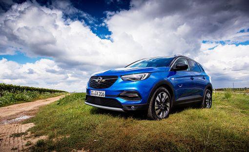Grandland X on Opelin suurin crossover-malli.
