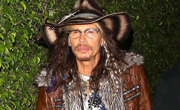 Steven Tyler keskittyy nyt country-musiikkiin ja sooloalbumiinsa.