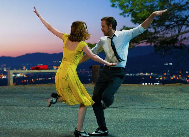 La La Landin päärooleja näyttelevät Emma Stone ja Ryan Gosling.