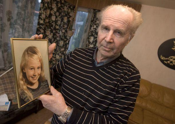 Piian isä Heikki Ristikankare asuu edelleen talossa, jonka oven Piia sulki lokakuisena iltana. Sen jälkeen hänestä ei ole tiedossa olevia havaintoja. Kuvassa Heikki Ristikankare vuonna 2012.