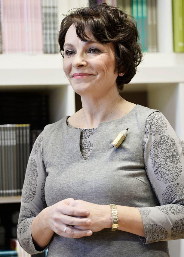 Marja Aarnipuro kirjoitti syöpäkokemuksistaan kaksi kirjaa.