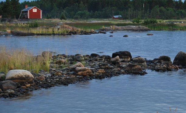Poliisi löysi kesämökiltä kuolleen miehen Ruotsissa. Kuva ei liity tapaukseen.