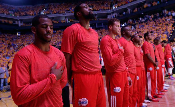 Los Angeles Clippersin pelaajat osoittivat hiljaisesti mieltään.