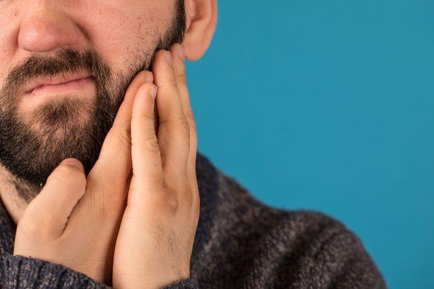 Hammassärky kertoo jo syvemmälle hammaskudokseen ehtineestä karieksesta.