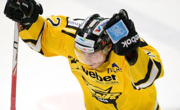 Tommi Jokinen leipaisi SaiPan voittomaalin.