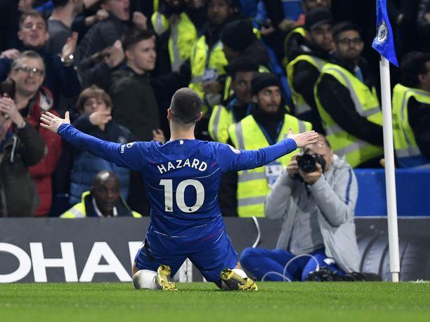 Chelsean Eden Hazard oli kahdella maalillaan ottelun sankari.