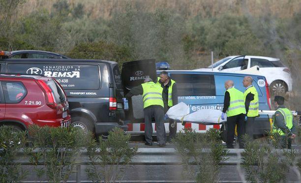 Bussiturmassa kuoli viimeisimpien tietojen mukaan ainakin 13 ihmistä.