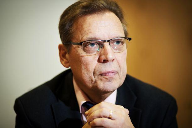 Tampereen pormestari Lauri Lyly toimi SAK:n puheenjohtajana kilpailukykysopimusta sorvattaessa.