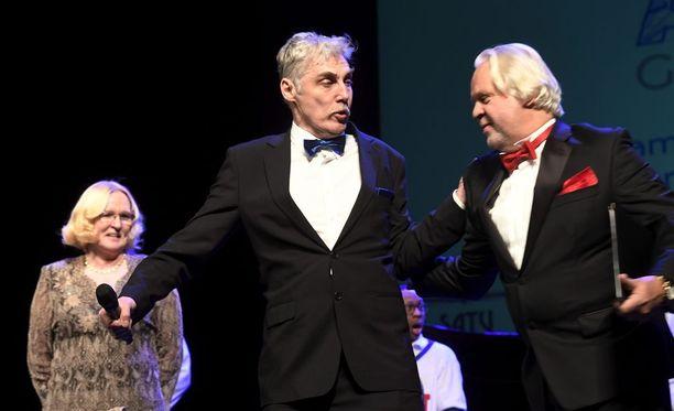 Joose Tammelin käyttytyi holtittomasti AINO-oopperagaalassa.