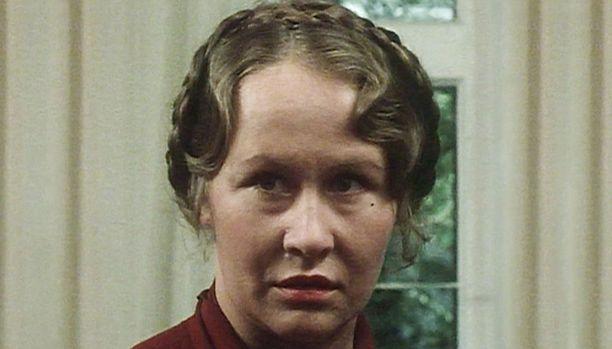 Eeva Litmanen on Lyyli Kaisla Isännissä ja isäntien varjoissa.