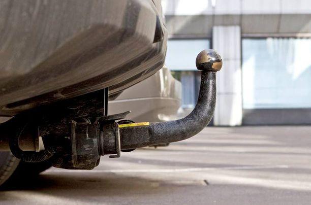 Auton irrotettava vetokoukku pitäisi välillä oikeasti irrottaa, muuten se muuttuu kiinteäksi.