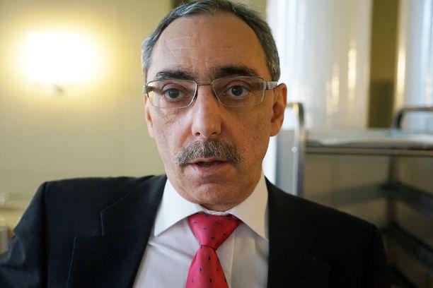 Ben Zyskowicz on entinen perustuslakivaliokunnan puheenjohtaja.