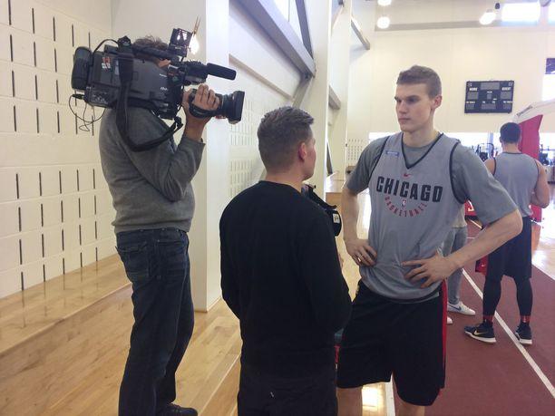 Lauri Markkasen ensimmäistä NBA-viikkoa seurattiin tiiviisti mediassa.