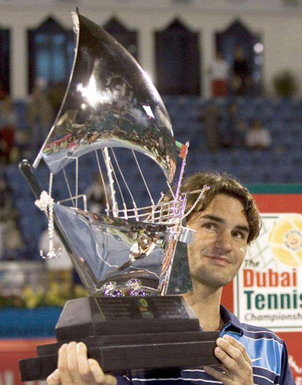 Federer voitti odotetusti tenniksen Dubain ATP-turnauksen.